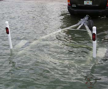 Incandescent Pipe Light Kit For Boat Trailer Guide Poles